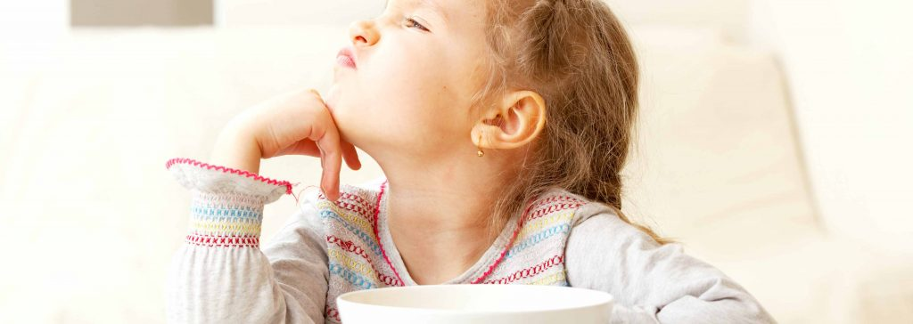 8-tips-to-help-your-child-try-new-foods-1024×364